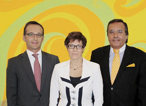 Staatskanzlei Saarbrücken: Stellvertretender Ministerpräsident Heiko Maas, Ministerpräsidentin Annegret Kramp-Karrenbauer.