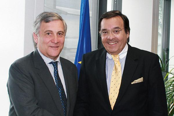 Der Vizepräsident der Europäischen Kommission Antonjo Tajani empfing Marokkos Energieminister Fouad Douiri hat Mario Ohoven nach Rabat eingeladen. Mittelstandspräsident Mario Ohoven in Brüssel zu einem Gespräch über die EU-Schuldenkrise.